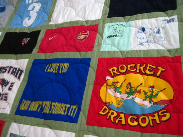 t-shirt-quilt-with-sashing